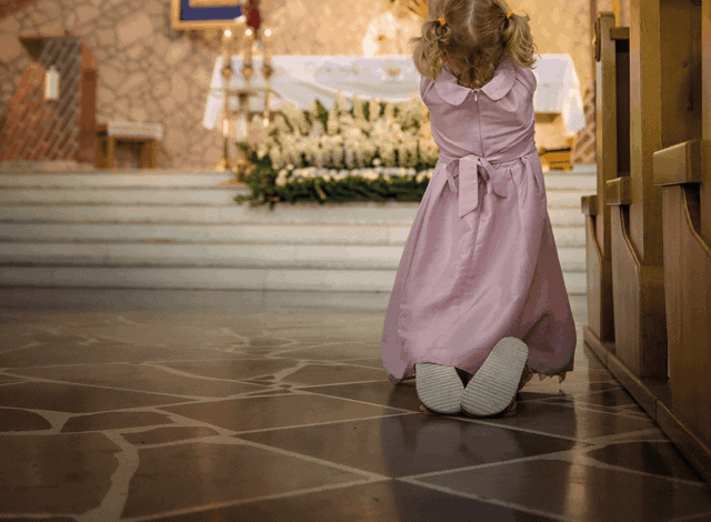 Udział dzieci weMszy Świętej. Duchowe uniesienia czy stresująca konieczność?